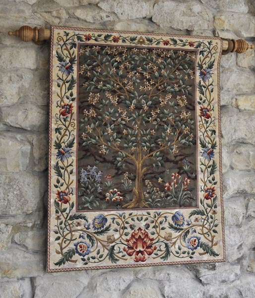 Wall Hanging Pole With Finials